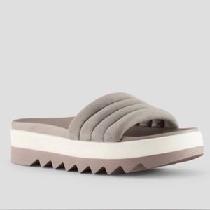 Cougar Perth All-Weather Footbed Sandal Slides